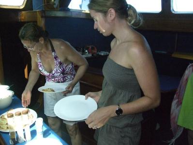 15-repas-sur-le-voilier